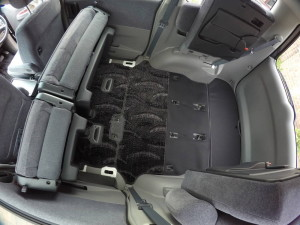 Picture of 2004 Toyota Noah interior with all rear seats folded