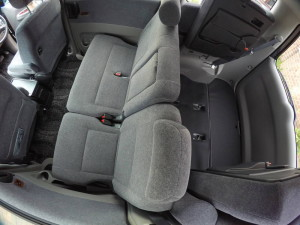 Picture of 2004 Toyota Noah middle seat row, rear seats folded