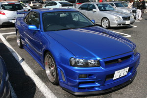 Picture of a blue R34 Nissan Skyline GT-R at Daikoku Futo