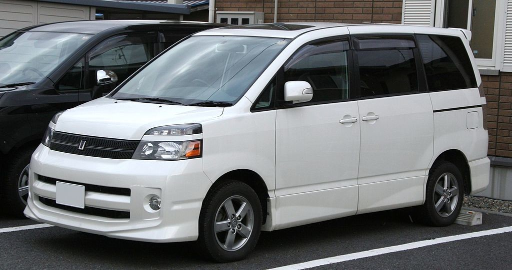 Picture of a white Toyota Voxy