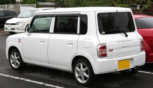 Picture of the rear of a Suzuki Lapin SS kei car