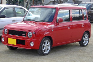 Front picture of a Suzuki Lapin SS kei car
