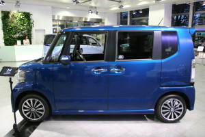 Picture of the left hand side of a Honda N-Box Custom kei car