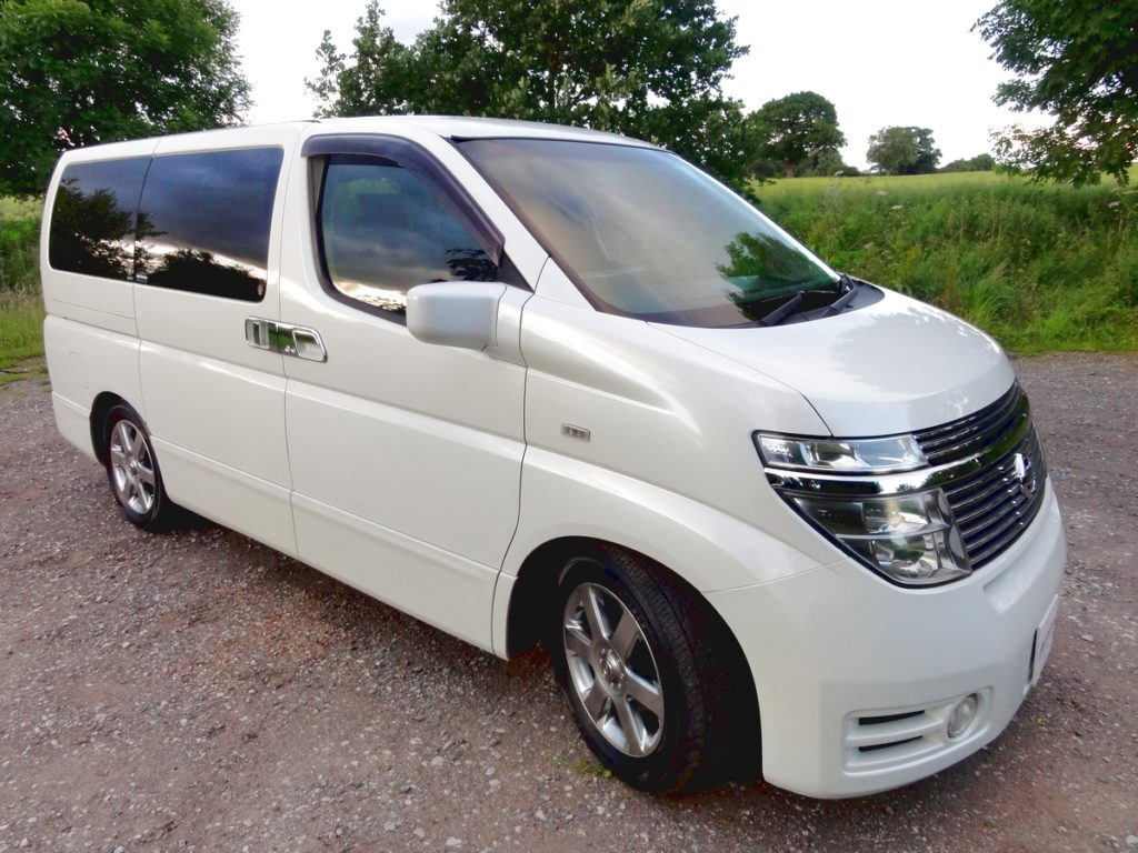 nissan elgrand 3 5 4wd andrew 39 s japanese cars. Black Bedroom Furniture Sets. Home Design Ideas
