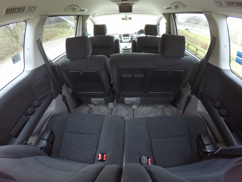 2005 Toyota Rav4 For Sale >> Toyota Noah interior with all rear seats folded - Andrew's ...
