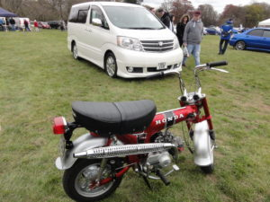 Toyota Alphard and Honda Monkey Bike