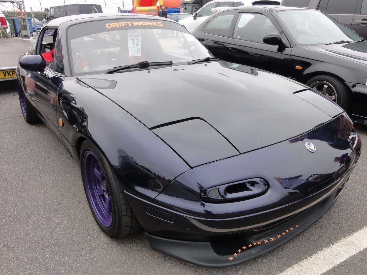 Picture of a Mazda Eunos Roadster
