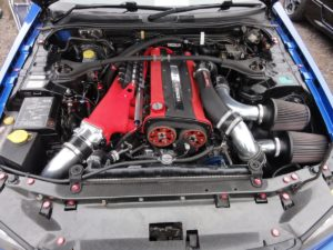 Picture of the engine bay on a Nissan Skyline GT-R R34