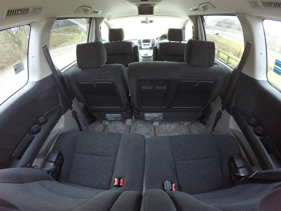 Picture of the rear seats - Toyota Alphard Review