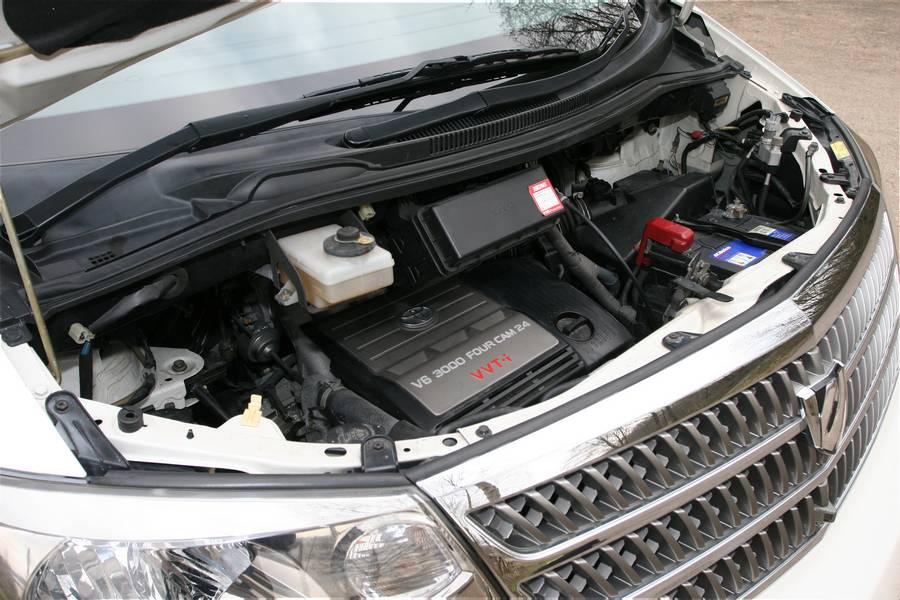 Picture of the engine bay - Toyota Alphard Review