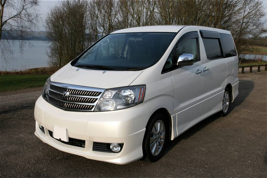 Picture of the nearside and front - Toyota Alphard Review