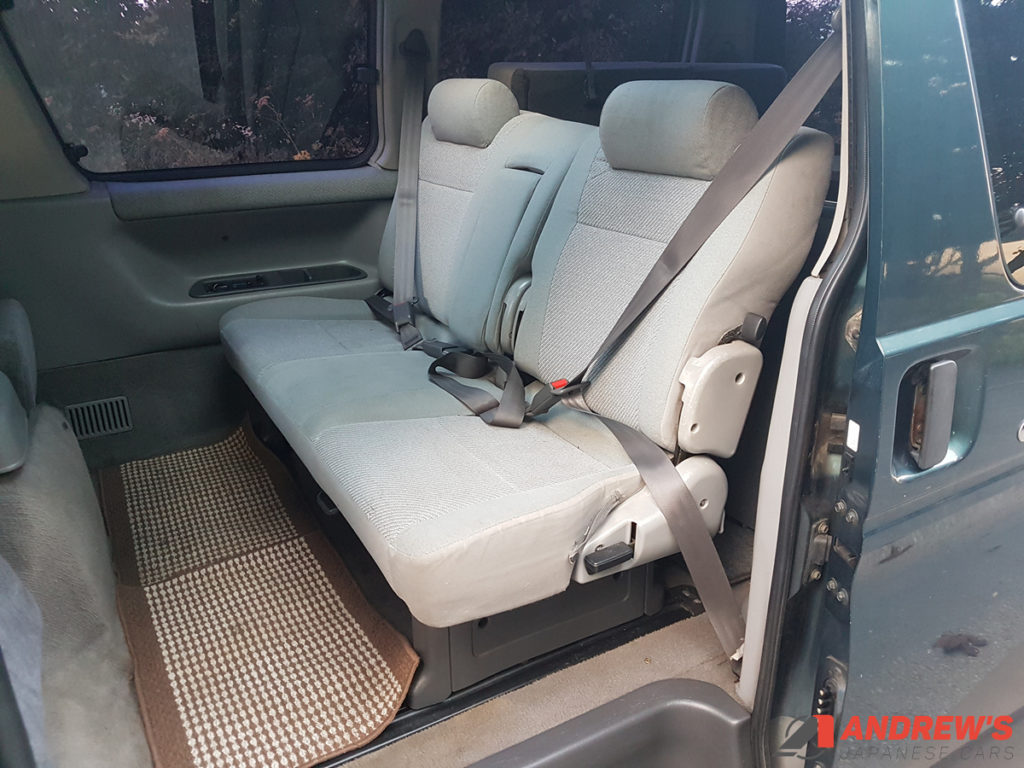 Picture of middle seats of Mazda Bongo auto free top for sale